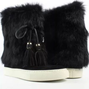Authentic Tory Burch Angelica black fur boots new